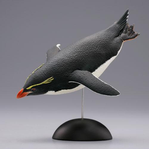 1-004 海洋堂【イワトビペンギン】