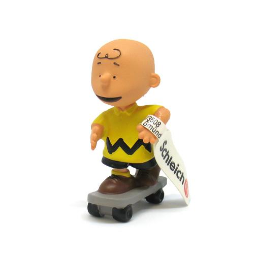 PEANUTS チャーリー・ブラウン(スケートボード)
